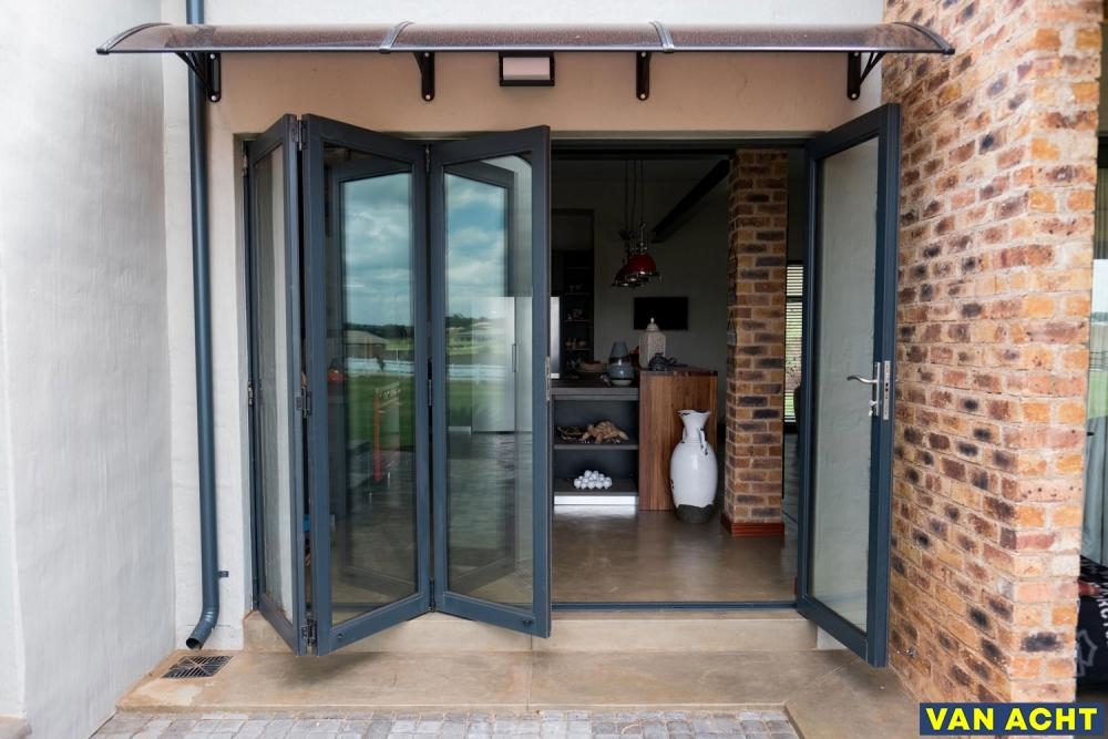 Van-Acht-Aluminium-Sliding-Folding-Doors-2