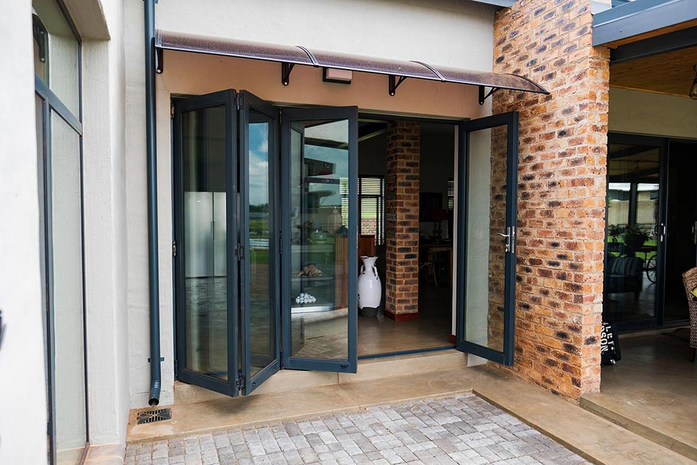 van acht aluminium vista sliding folding door