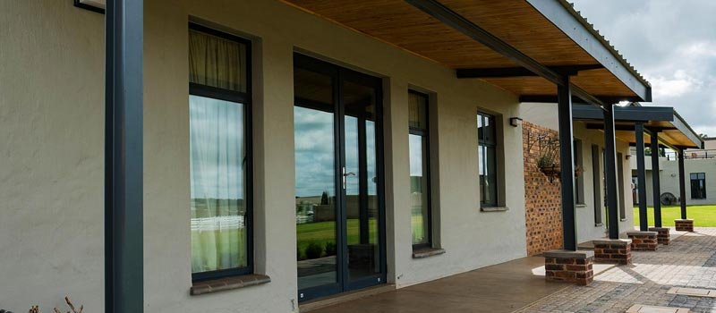 vanacht aluminium side hiung windows feature
