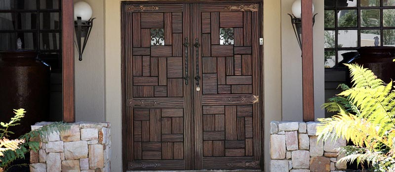 Van Acht Hinged Doors Feature
