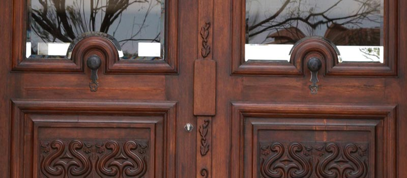 Van Acht Custom Entrance Doors Feature
