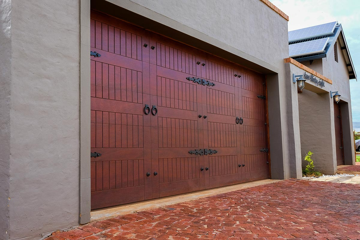 Garage Door Repair Eastvale