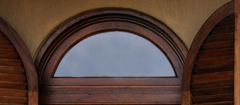 Van Acht Window Arch Feature