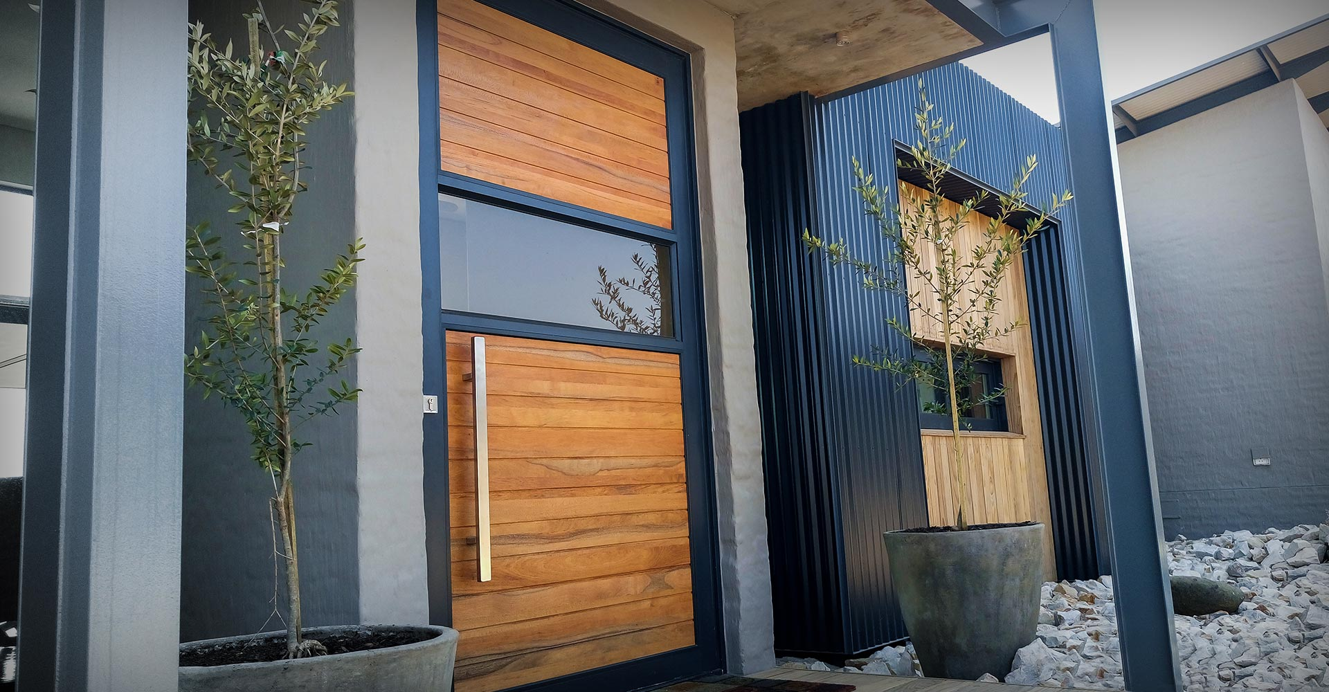 Timbercity pivot doors louver doors louver louver mdf for Wood doors south africa